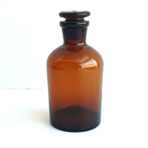 """בקבוק בית מרקחת וינטג' חום 250 מ""""ל"""